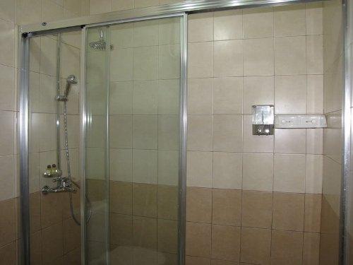 pintu-kamar-mandi