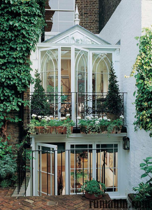model balkon menawan untuk rumah masa depan rumahin